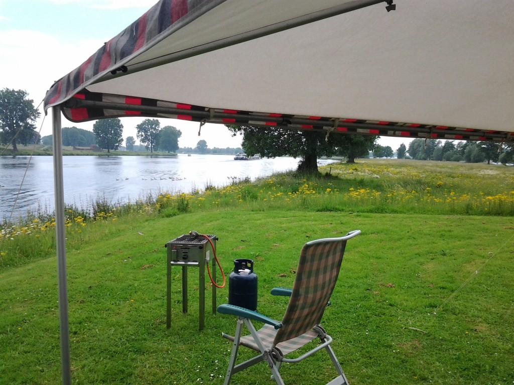 Uitzicht over Maas en Langeland